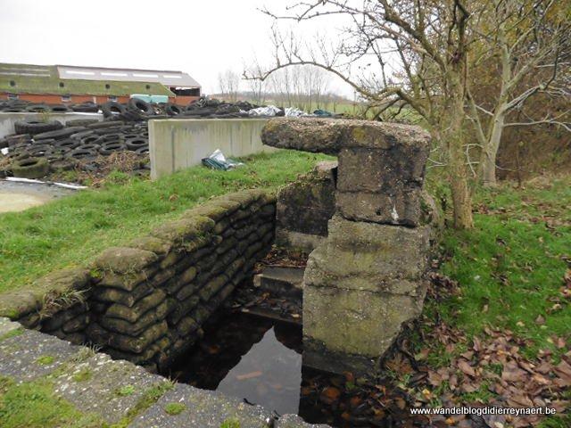mitrailleurspost in Zonnebeke langs de spoorweg Ieper-Roeselare bij Thames Farm
