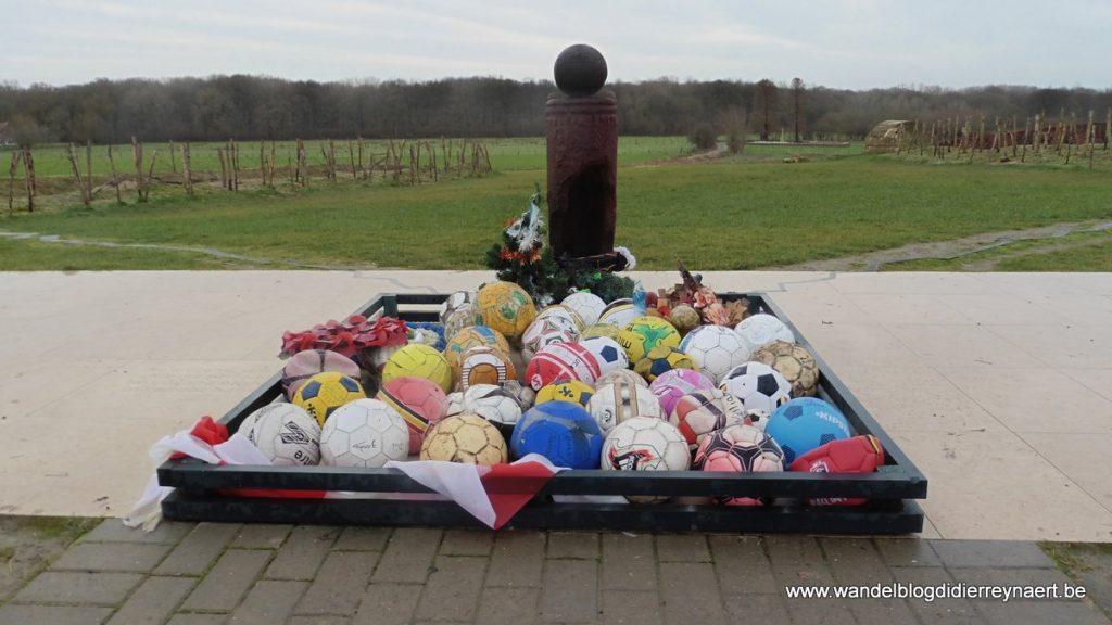 Monument in Ploegsteert ter herdenking van Christmas Truce