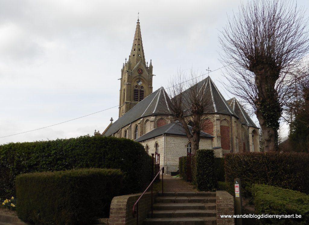Kerk van Houtkerque in Frans-Vlaanderen