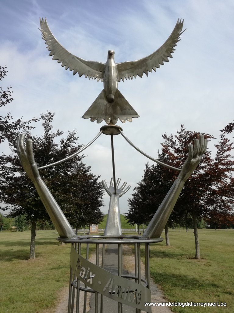 Monument Paix et Amitié (La Plaine au Bois)