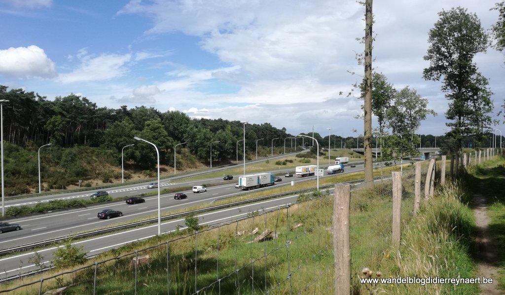 de drukke autostrade Gent-Antwerpen