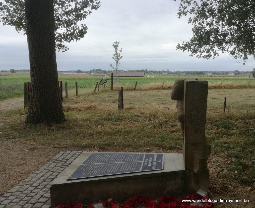 Gedenksteen Liverpool Scottish bij Bellewaerde Ridge