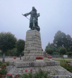 standbeeld van Vauban in zijn geboortedorp Saint-Léger-Vauban