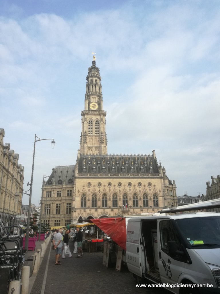 stadhuis en belfort van Arras