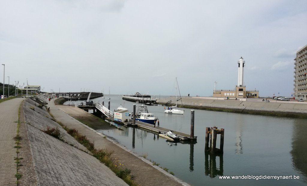 havengeul en vuurtoren Blankenberge