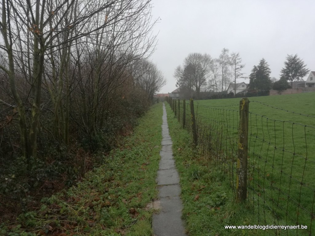 voetwegels rond Tiegem