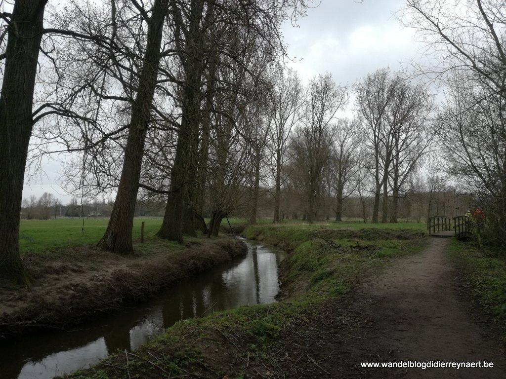 Comenius pad langs de Rivierbeek Waardamme