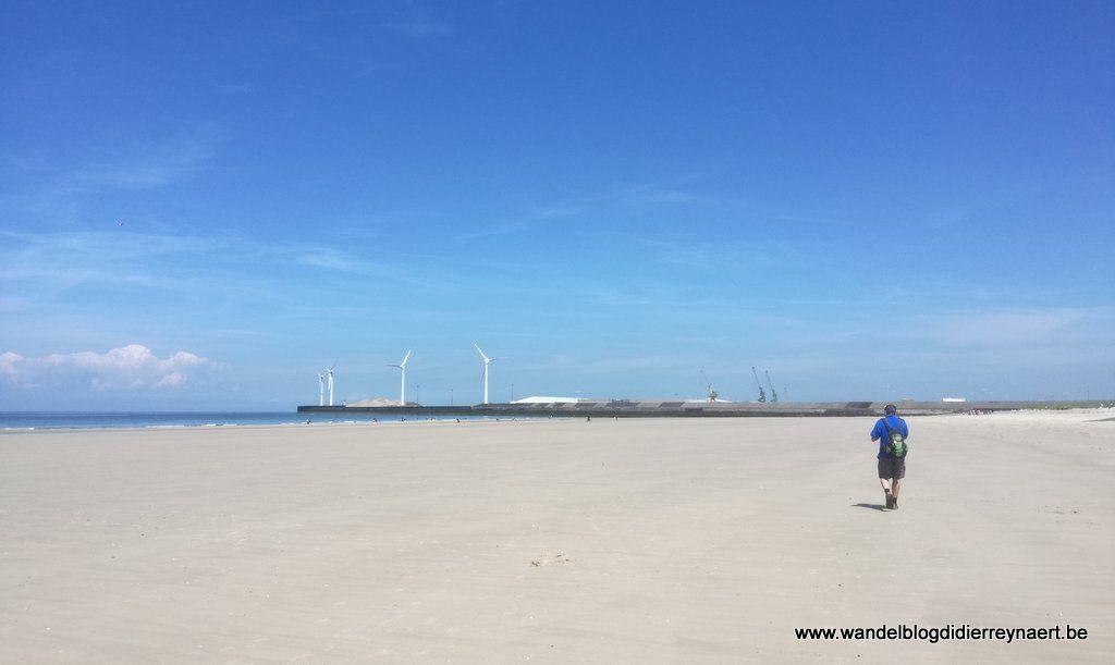 op het strand richting Boulogne-sur-Mer