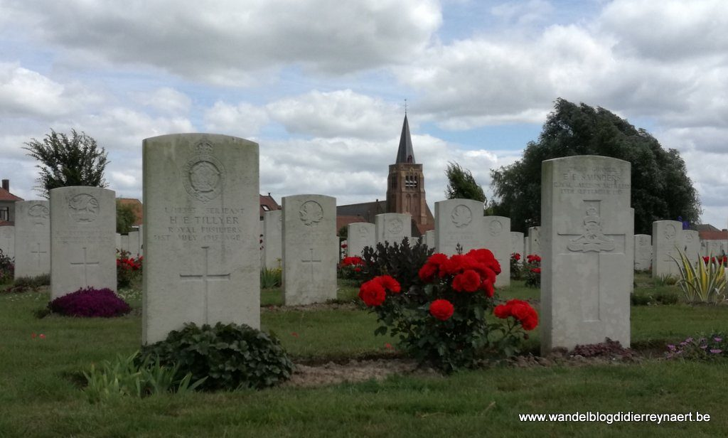 Dranouter vanaf Dranoutre Military Cemetery