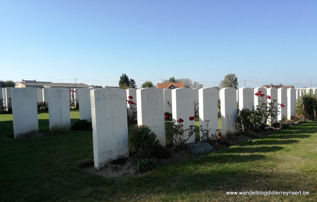 """militaire begraafplaats Zandvoorde: """"Zantvoorde British Cemetery"""""""