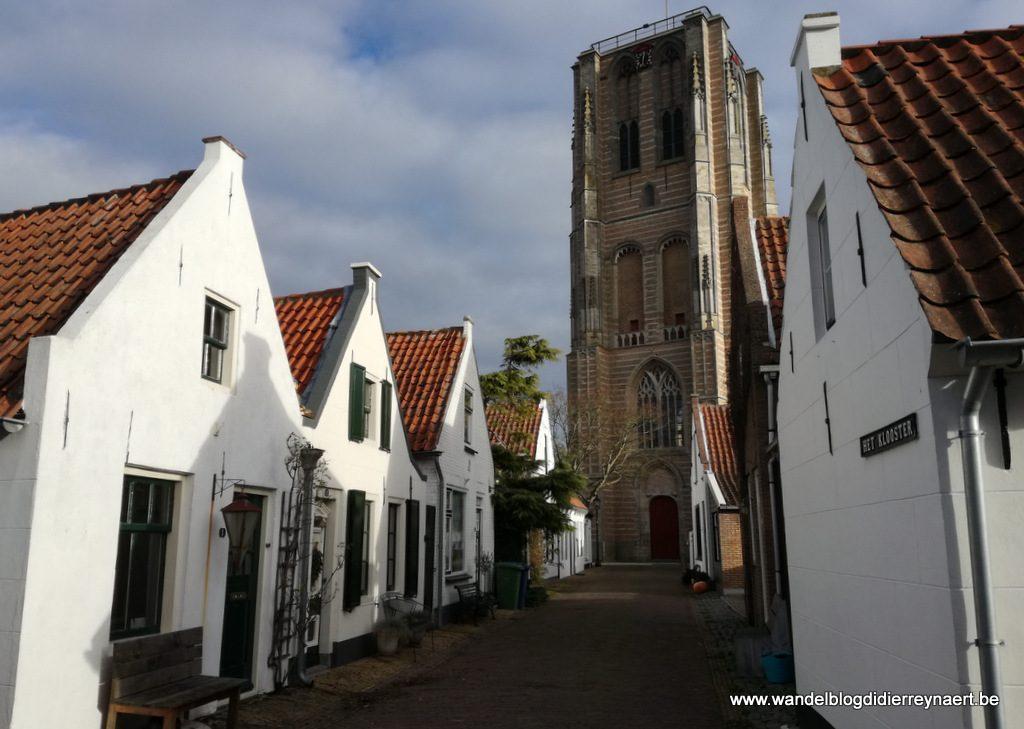 kerktoren van de Catharinakerk in Goedereede